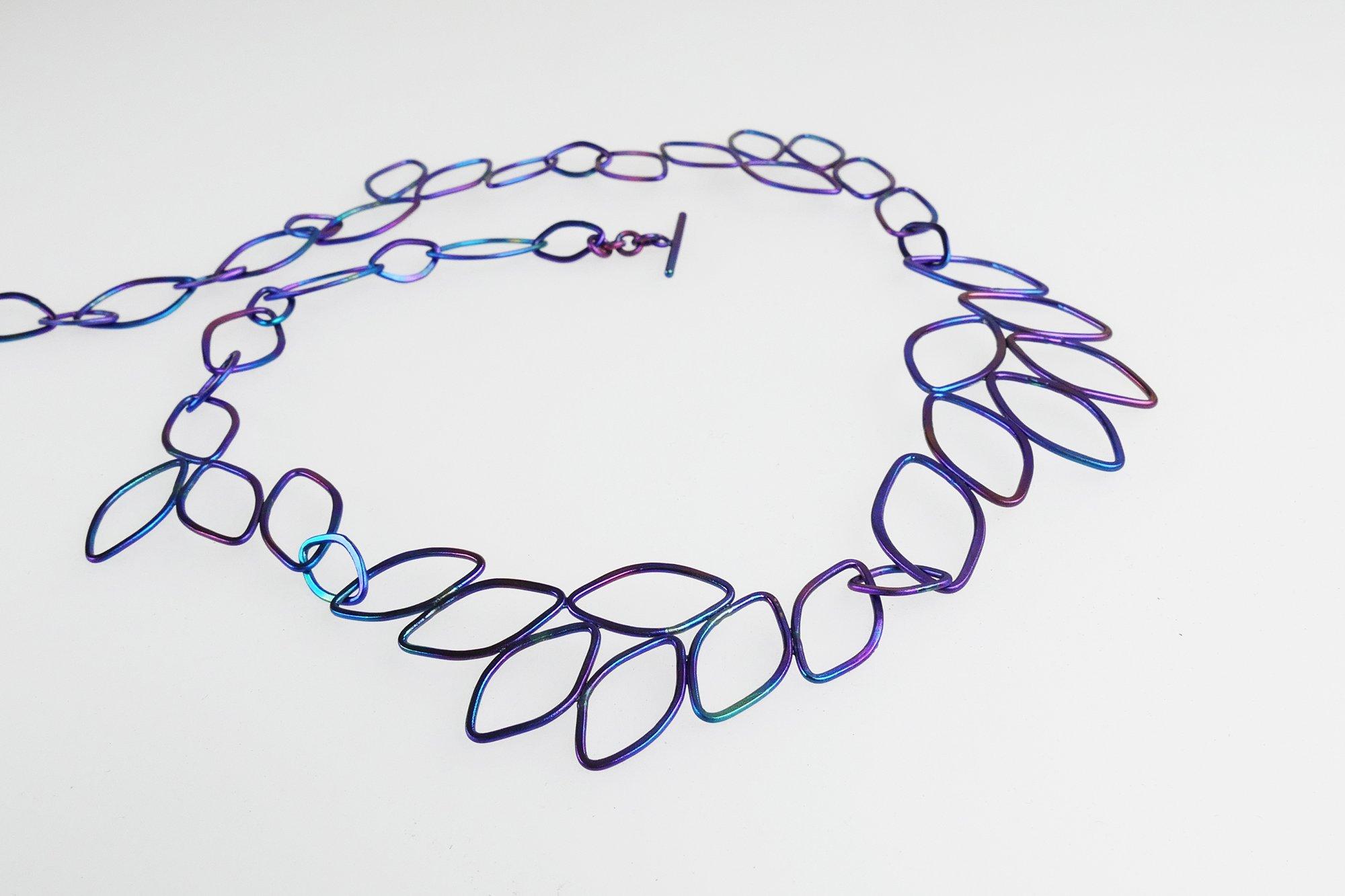 collier ellips bladvorm